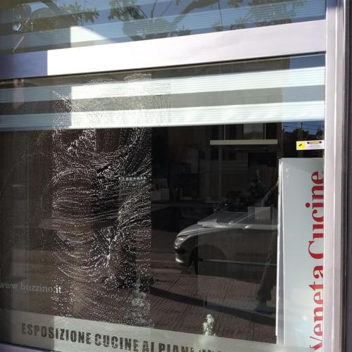 pulizia vetrate e facciate